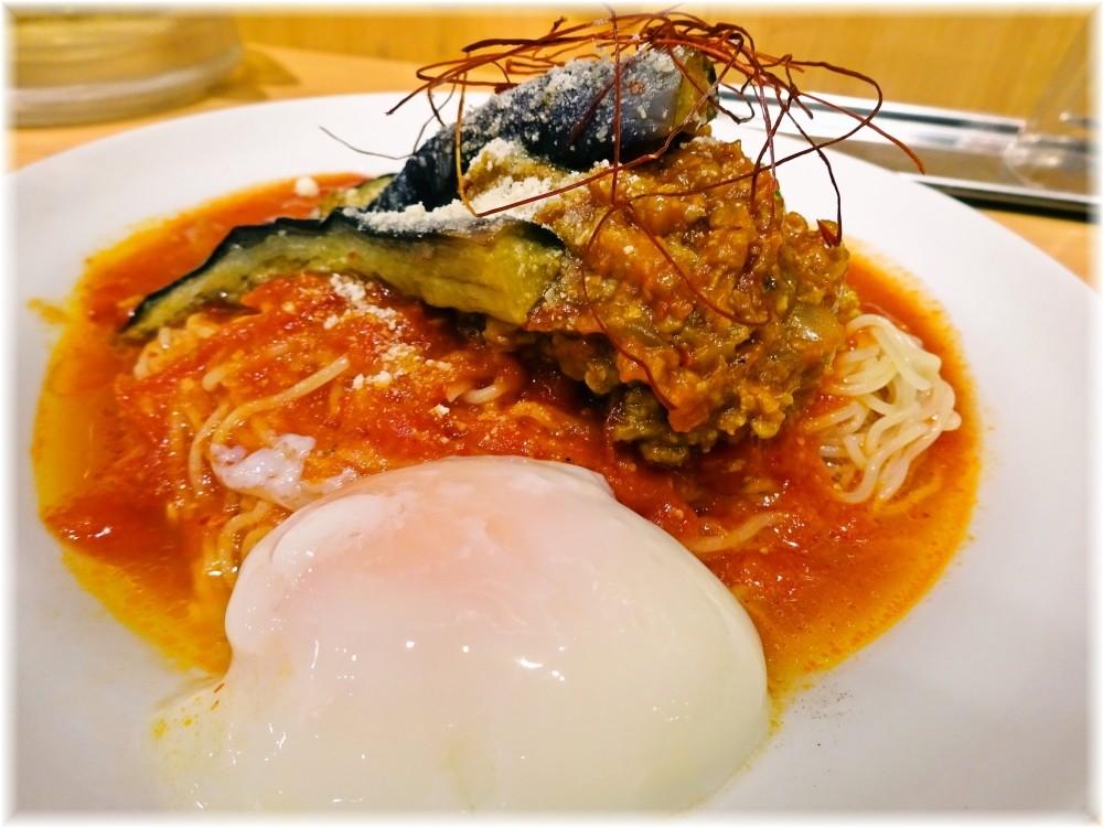 太陽のトマト麺三田店2 茄子と挽肉のアラビアータ冷麺の具2