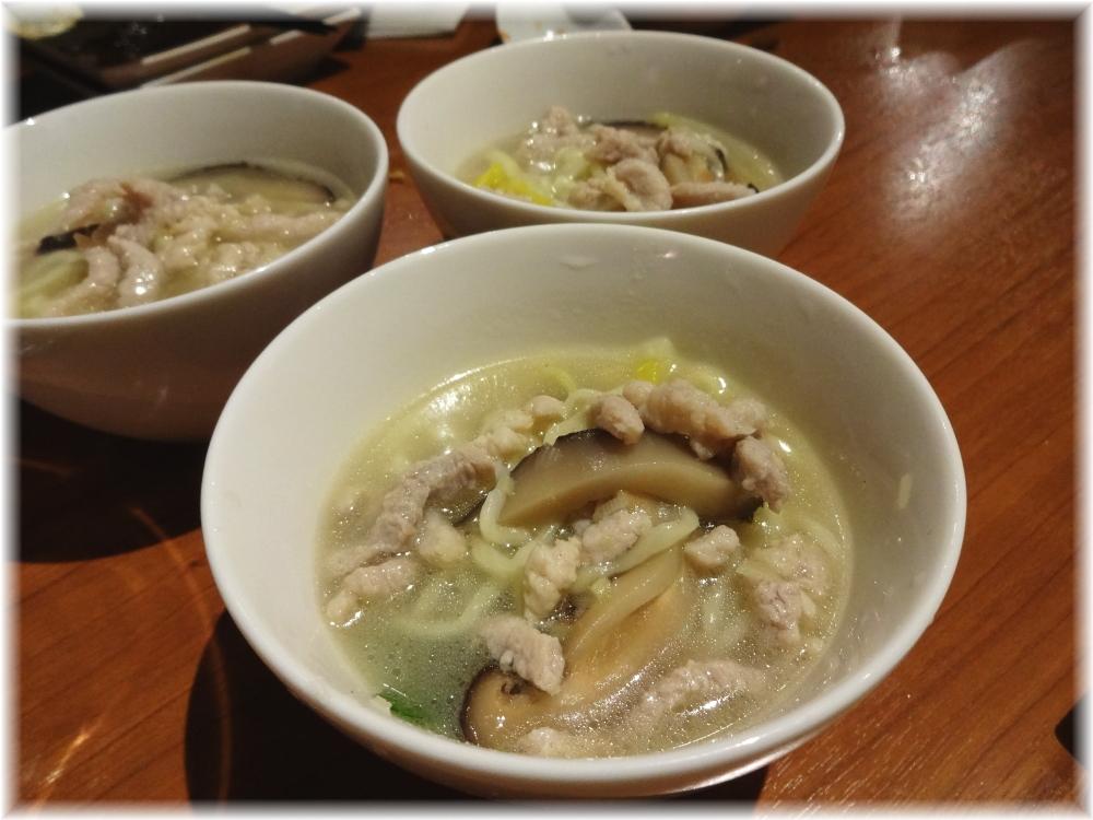 百菜百味 サービスの祝い麺