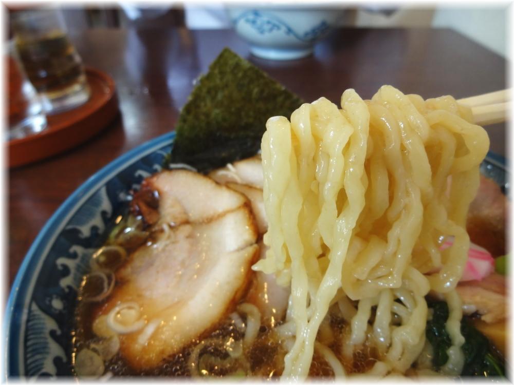 弘流 チャーシュー麺の麺