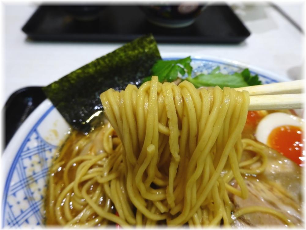 麺や庄のラゾーナ川崎店 濃厚特製らーめんの麺