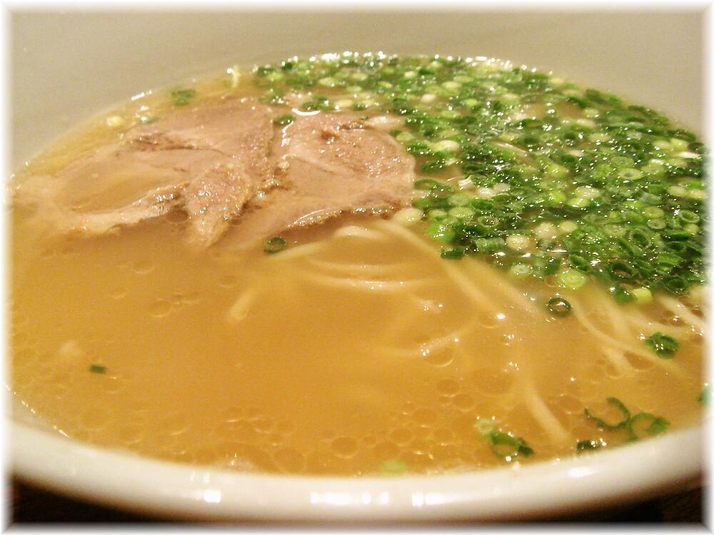 うま馬 ラーメンのスープ