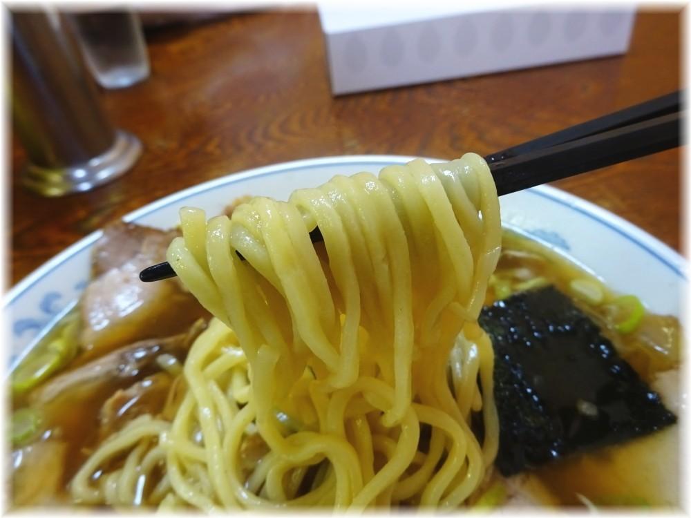 ラーメンやひこ チャーシューメンの麺