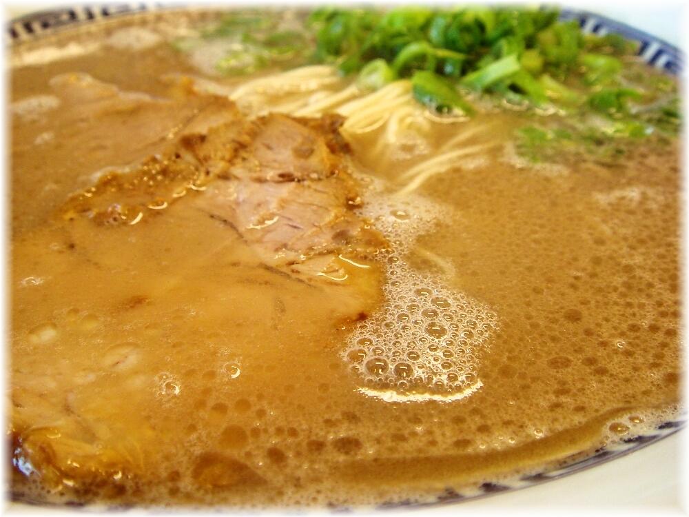 西谷家前原店 ラーメンのスープ