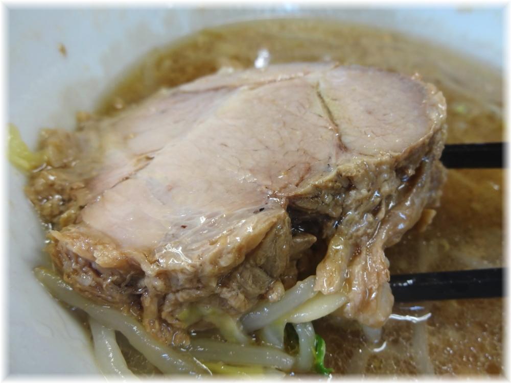 神保町二郎 ラーメン小(麺少なめ)の豚