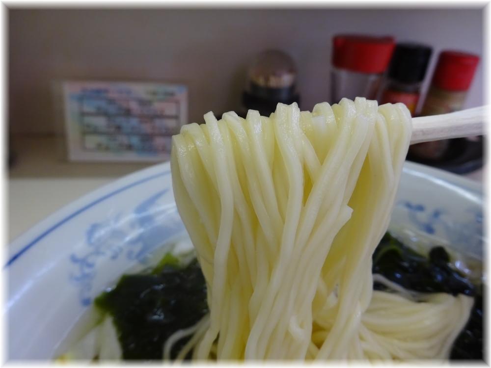 花水ラオシャン八幡店 ワカメタンメンの麺
