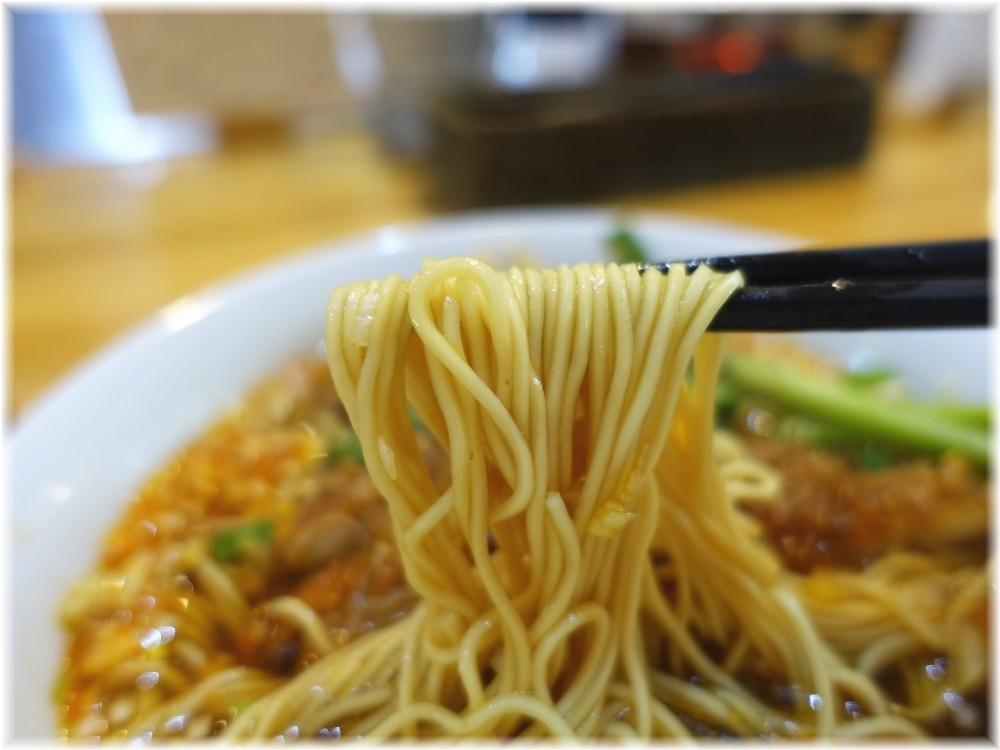 瀬佐味亭虎ノ門店2 排骨酸辣麺の麺