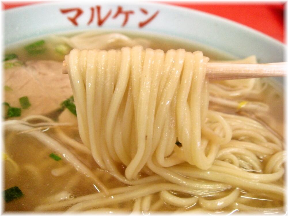 マルケン ワンタンメンの麺