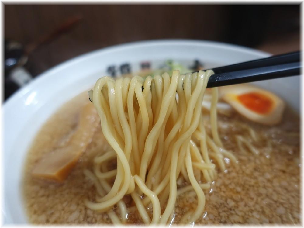背脂らーめん宮本志木店 背脂醤油の麺