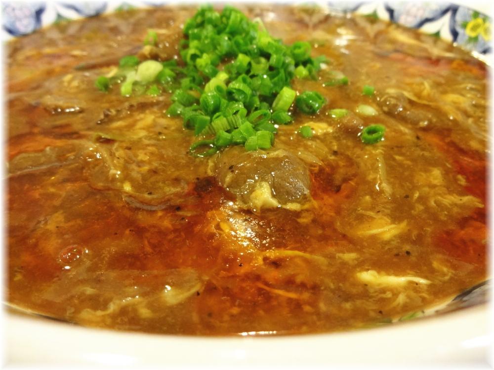 揚州商人目黒本店2 プレミアムスーラータンメンのスープ