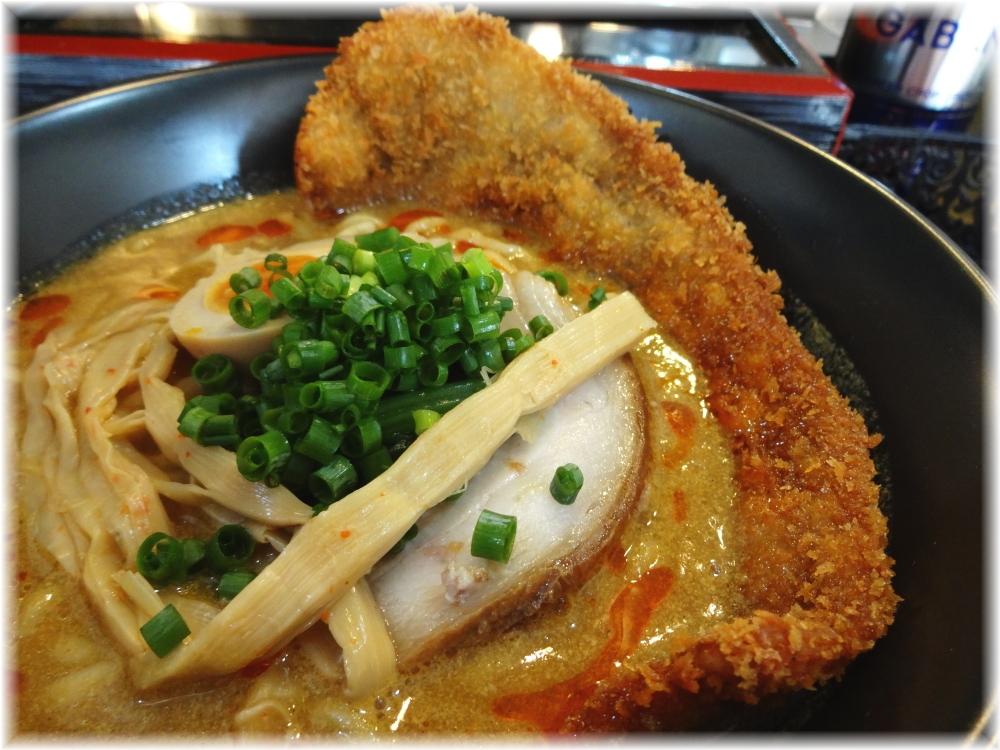 高円寺シンヤラーメン バラカツ伽辣麺の具