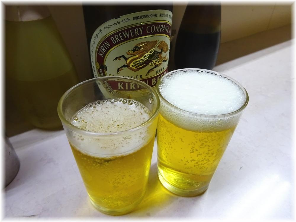 岐阜屋8 ビールで乾杯