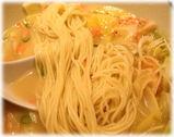 博多ラーメン 由丸 とんこつ海老らーめんの麺