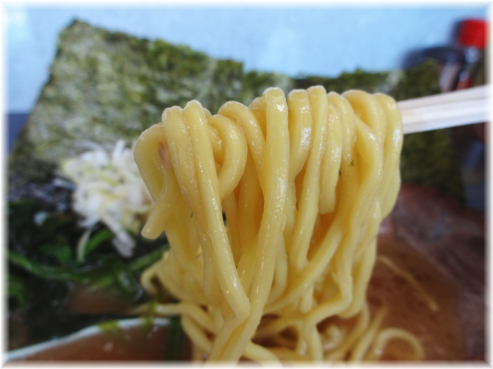 ずいずい チャーシューメンの麺