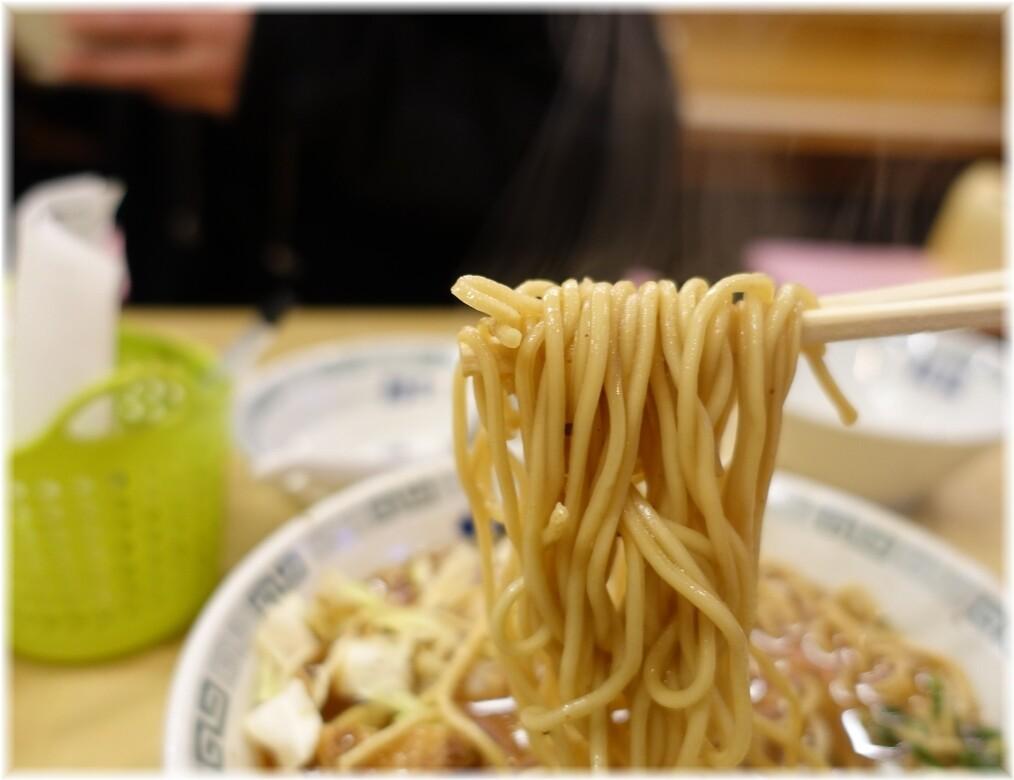 桂花ラーメンふぁんてん2 太肉麺の麺