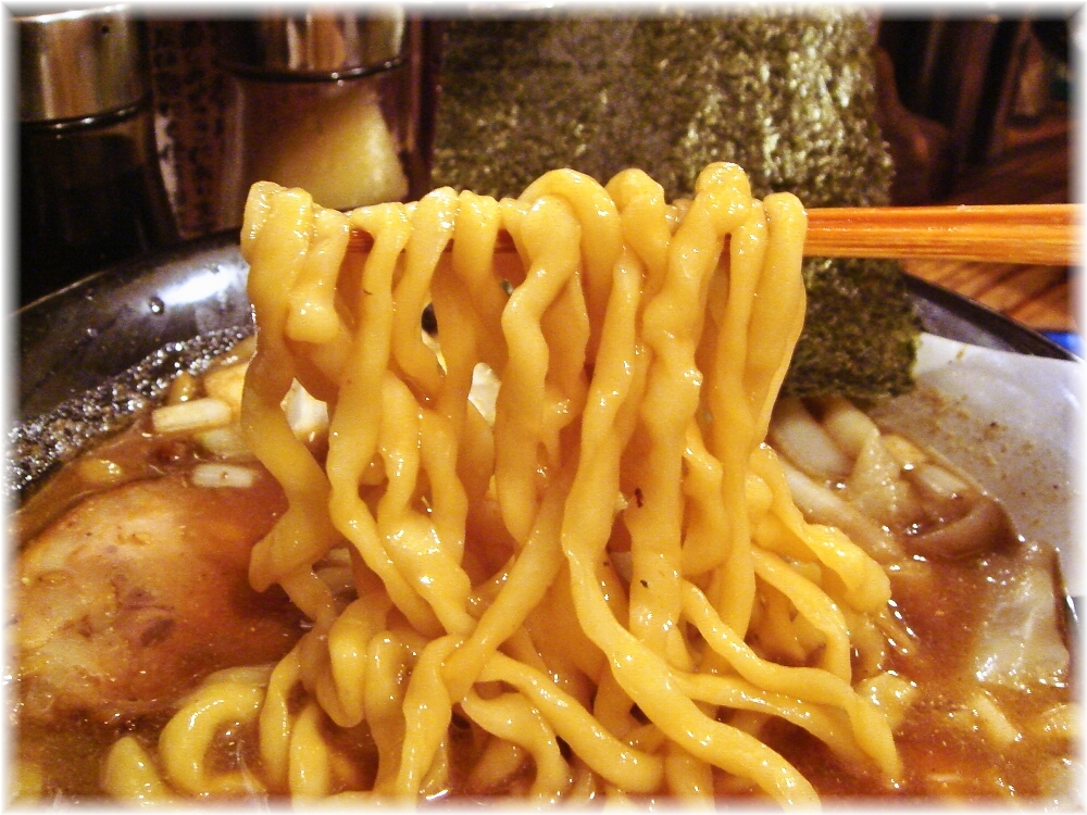 G凪4 煮干ラーメンの麺