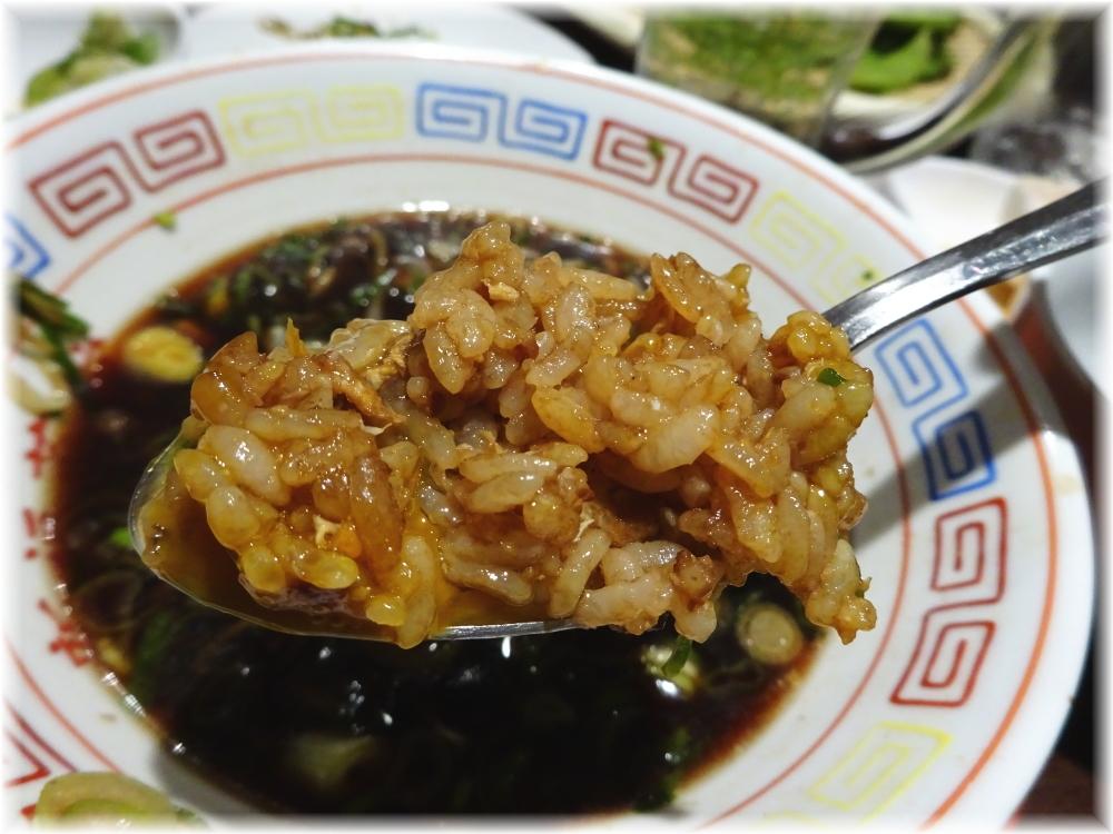 新福菜館 お二階隠れ スープにやきめし