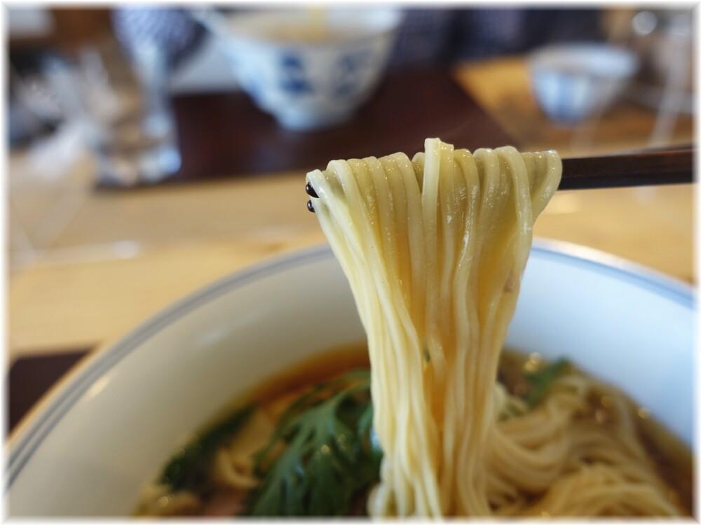 RamenFeel 醤油らぁ麺わんたん入りの麺