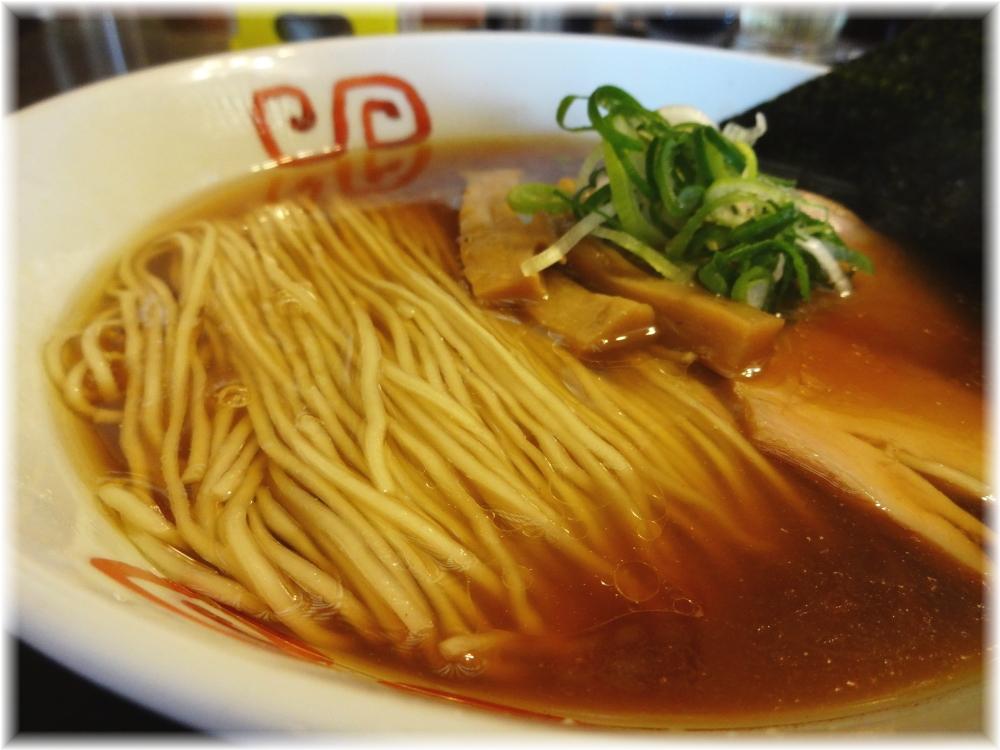 麺や食堂 味玉そばのスープ