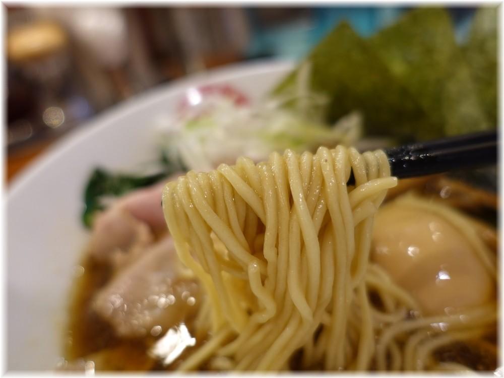 魁花 魁花らーめんZの麺