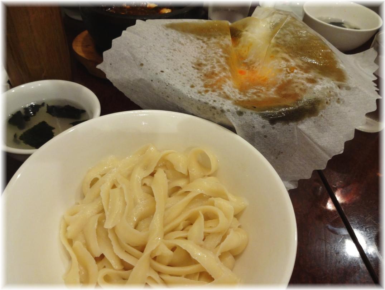味覚 頂天石焼麻婆刀削麺
