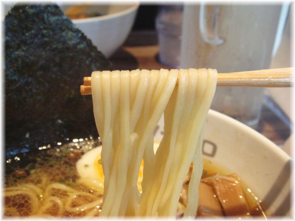 ソラノイロ 特製中華そばの麺