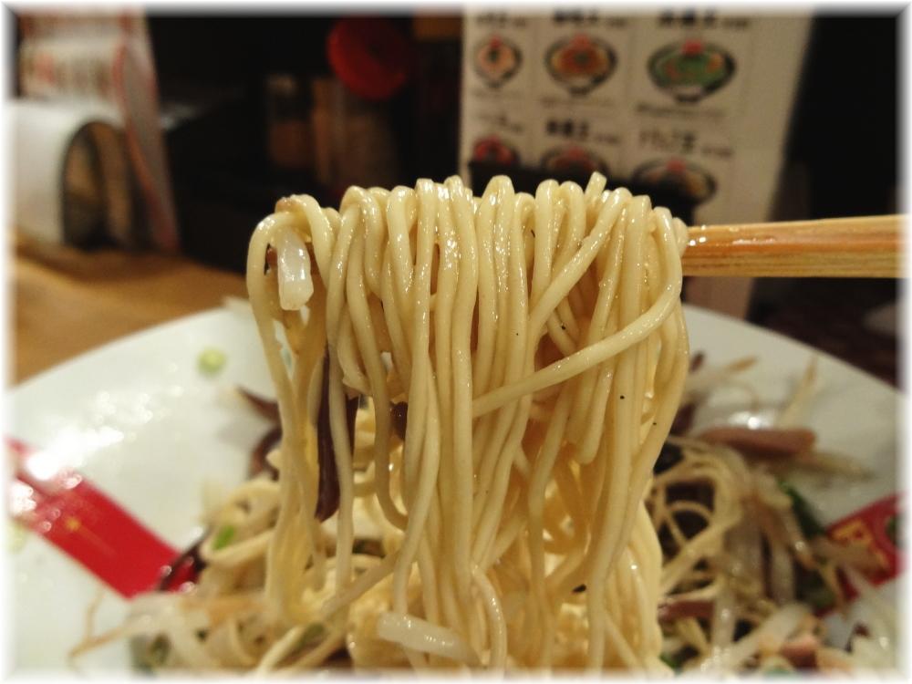 凪Noodle BAR歌舞伎町 トリュフ焼きそばの麺