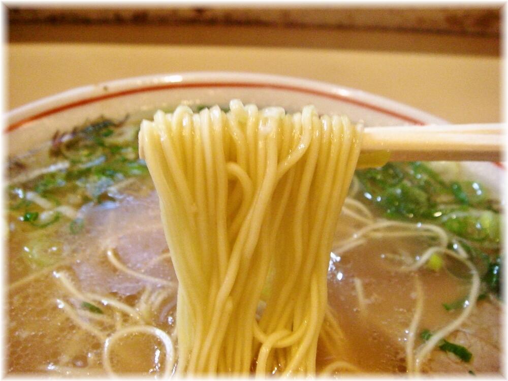 一龍亭 ラーメンの麺