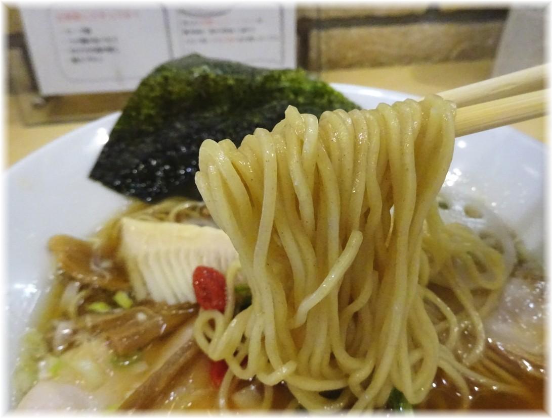 セサミ 魚貝SOBAの麺