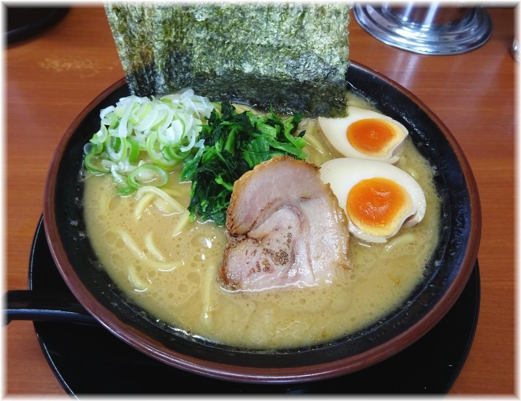 松田家 豚骨醤油味玉ラーメン