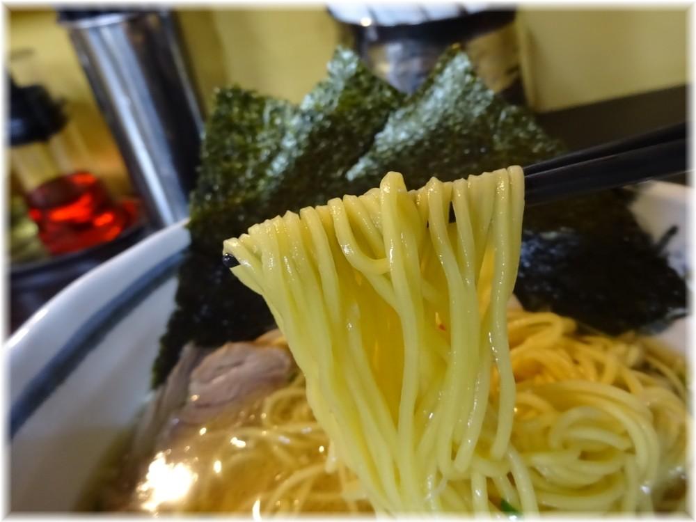 一富士はりたや 特製中華そばの麺