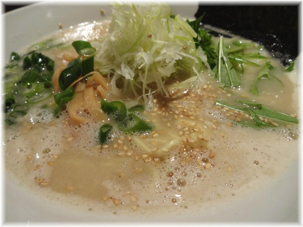 喜粋 鶏白湯らーめんのスープ