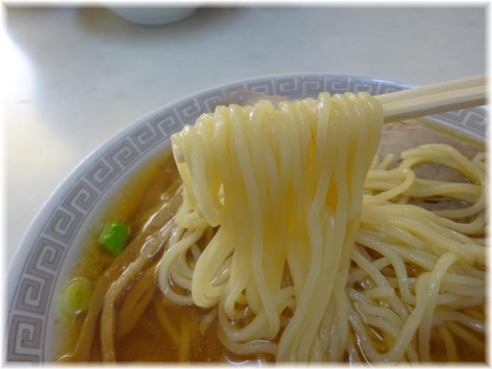 新京亭支店 中華そばの麺