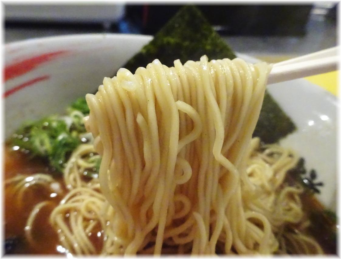 らーめん研究所 4番(鶏豚魚介)の麺