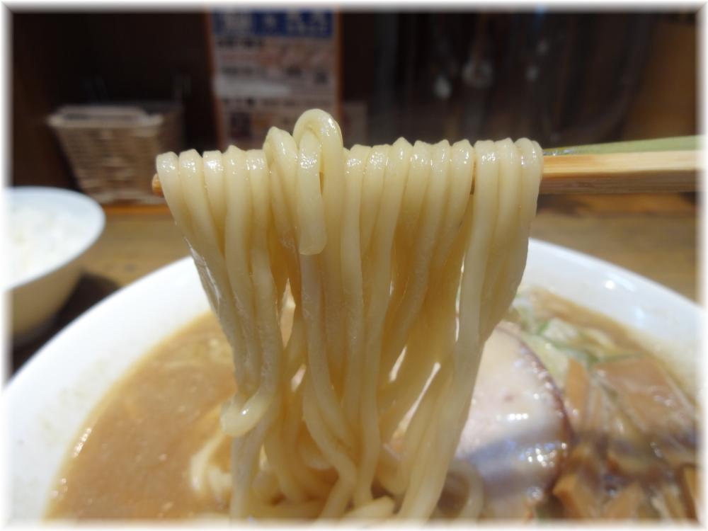 長尾中華そば 裏メニューの麺