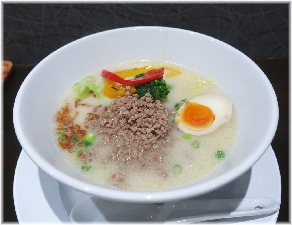 五瞭 牛骨白湯(コムタン)