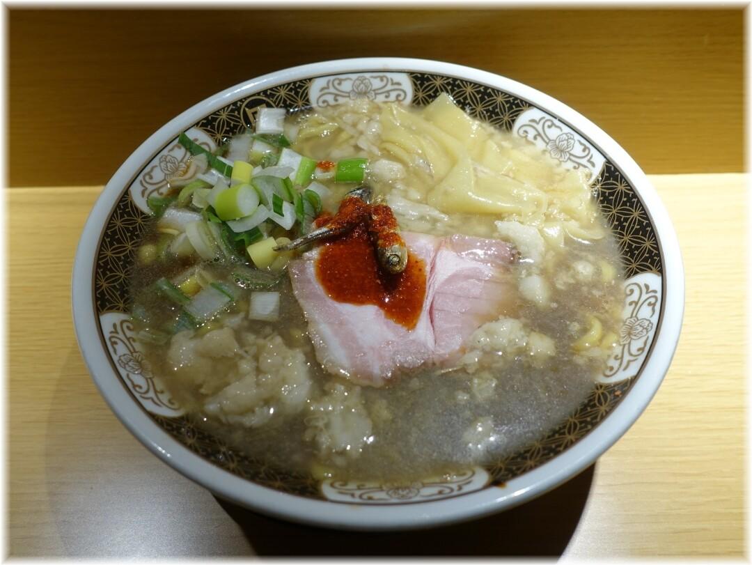 凪西新宿7丁目店 すごい煮干ラーメン+鬼油