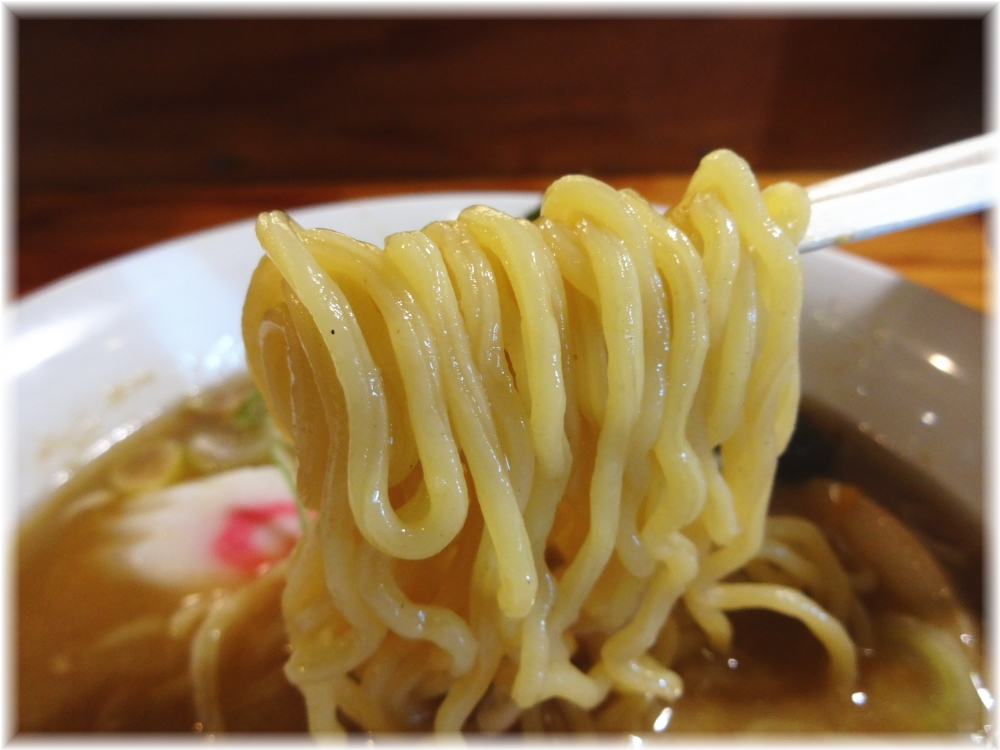 和らく 正油ら〜めんの麺