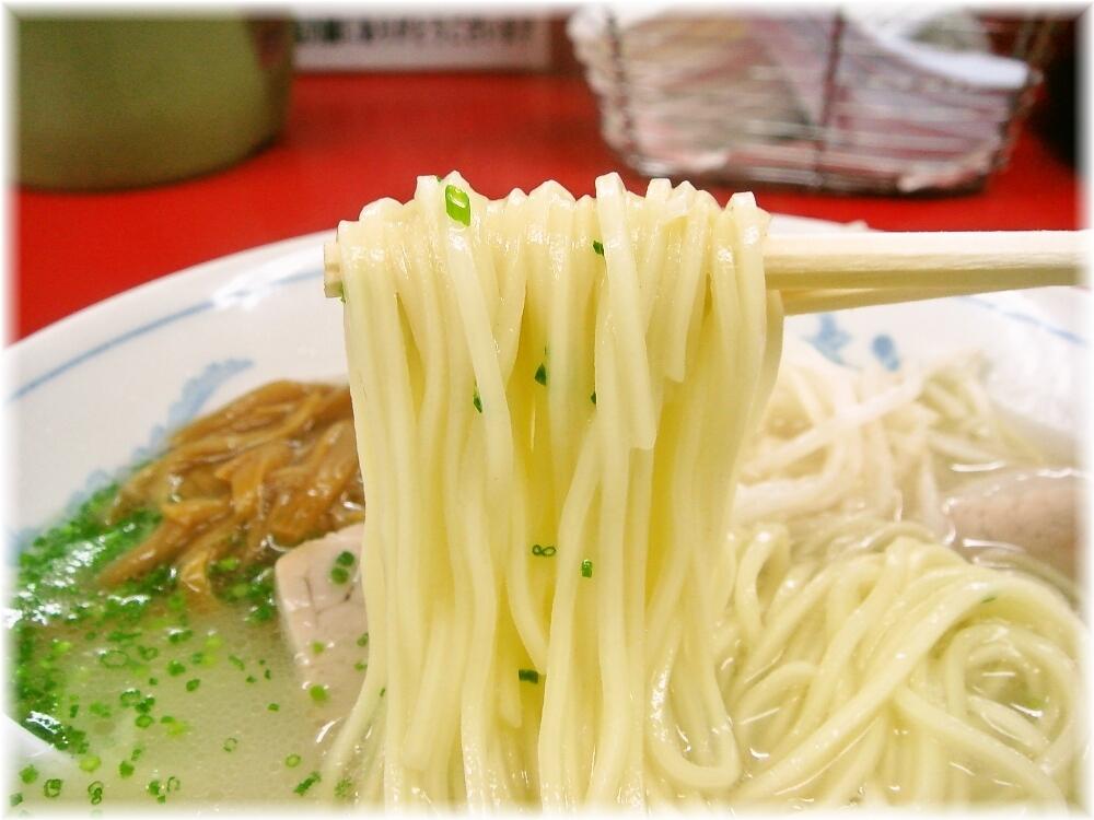 南京ラーメン黒門 ラーメンの麺