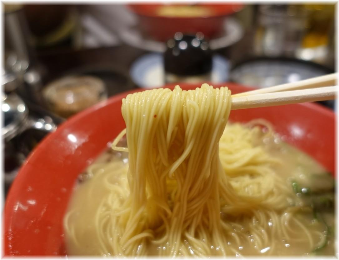 とんこつラーメンメロディー 九州とんこつメロディーの麺