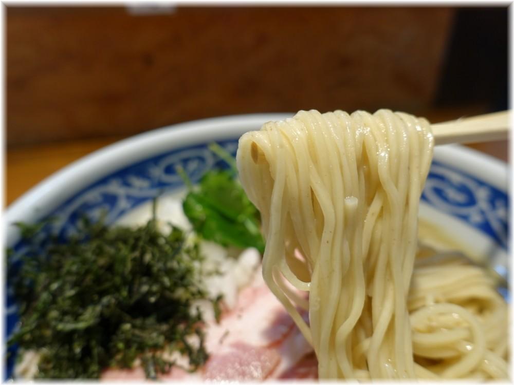寿製麺よしかわ6 濃い冷やし煮干しそばの麺