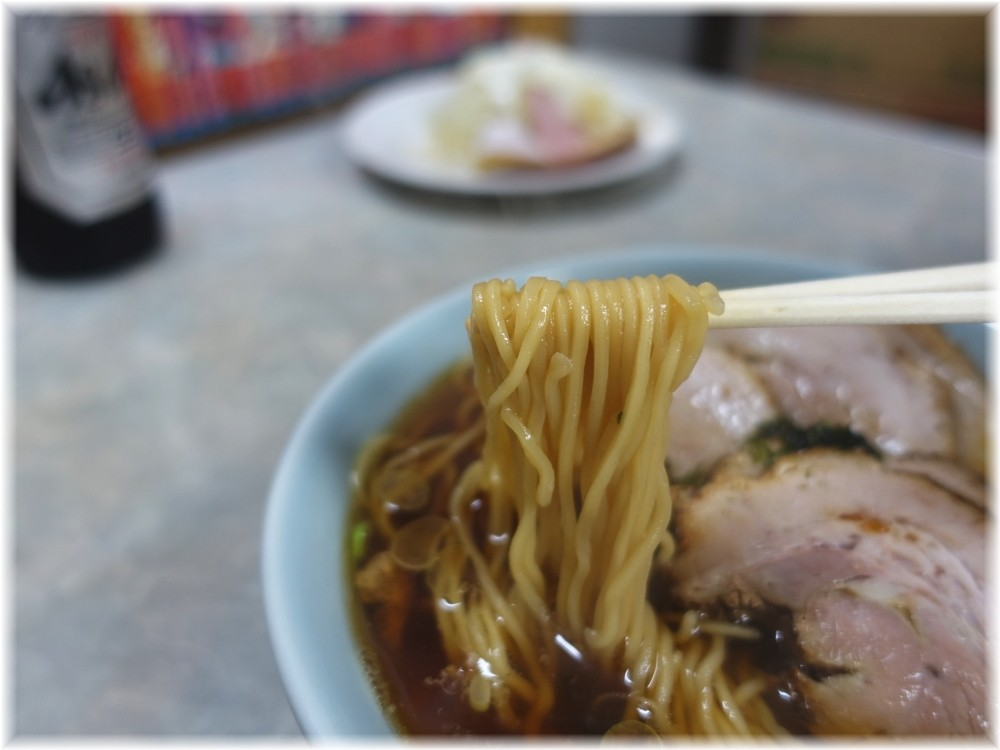 伊勢屋食堂 チャーシューメンの麺