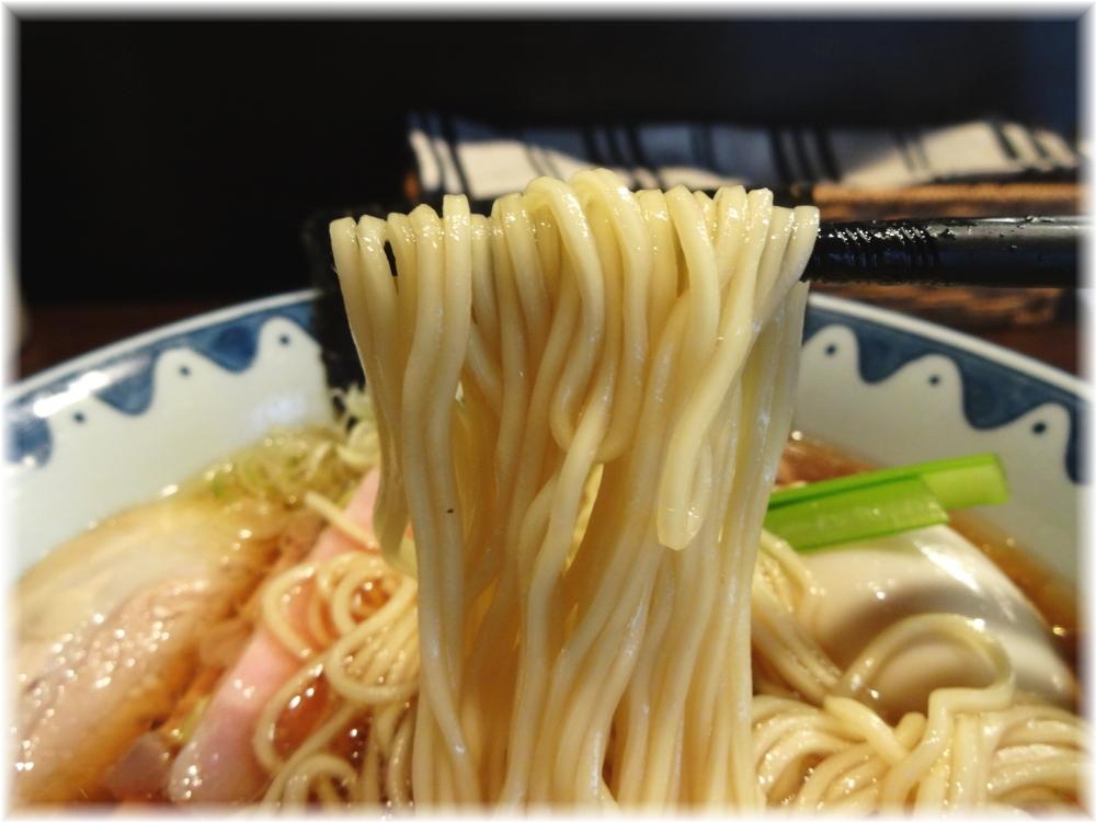 ガンコンヌードル ガンコンラーメン(醤油)の麺