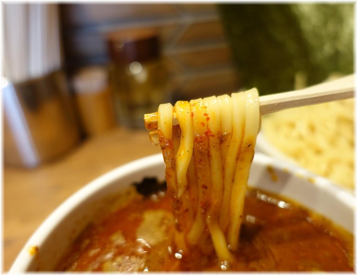 凪大宮南銀通り店 辛い煮干つけめんの麺