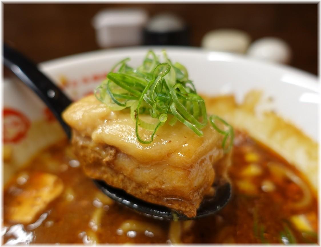 辛っとろ麻婆麺あかずきん サービス角煮
