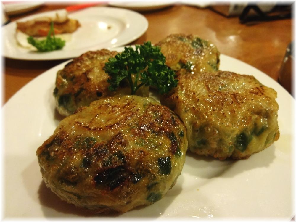 台南担仔麺 韮海老饅頭