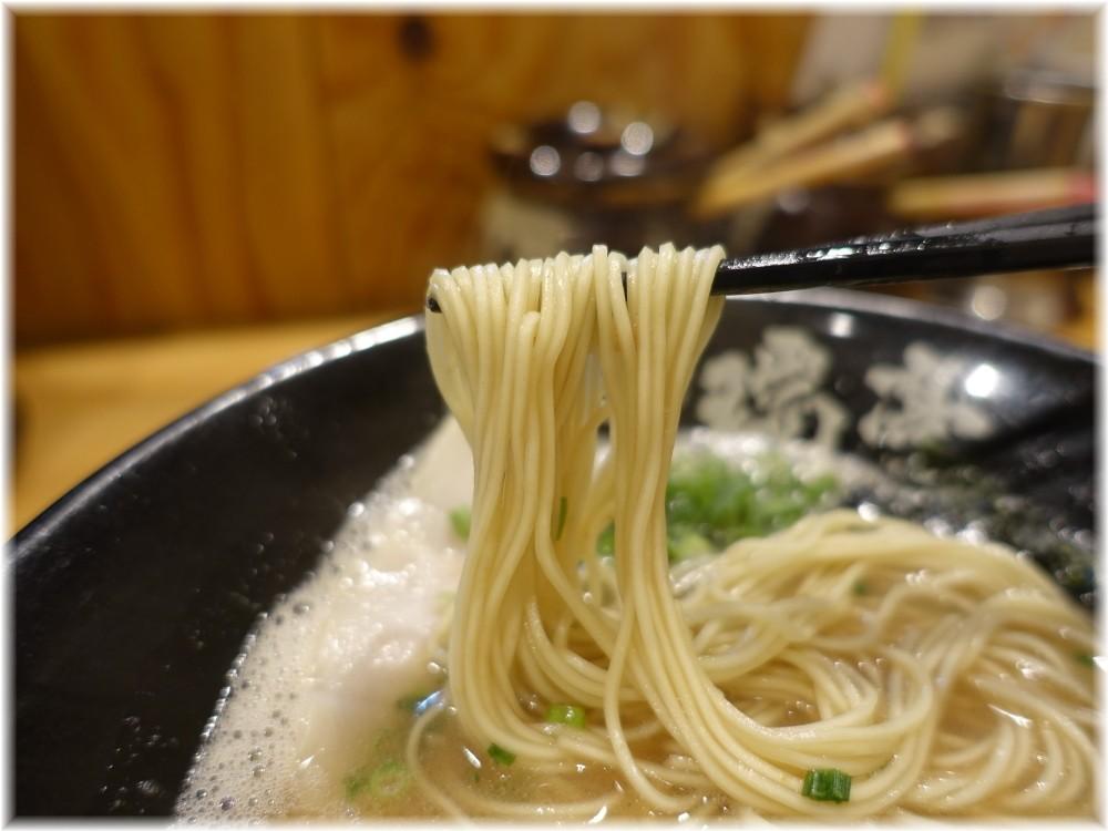 博多一瑞亭6 ラーメンの麺