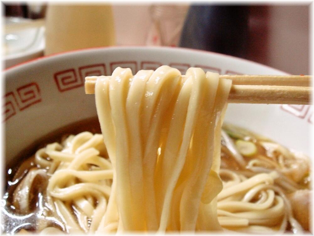 岐阜屋 ラーメンの麺
