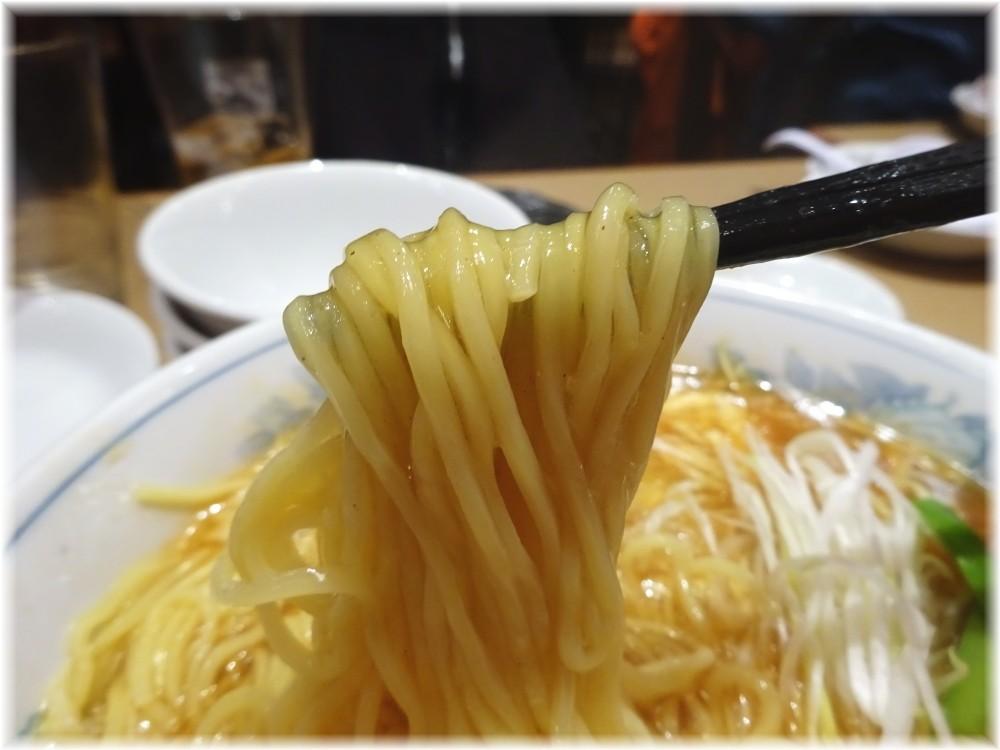 胡弓原宿店 酸辣湯麺の麺
