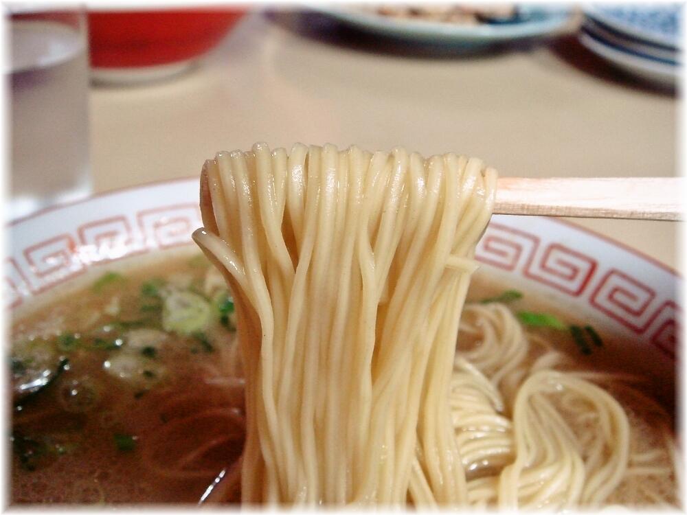 久山ラーメン ラーメンの麺