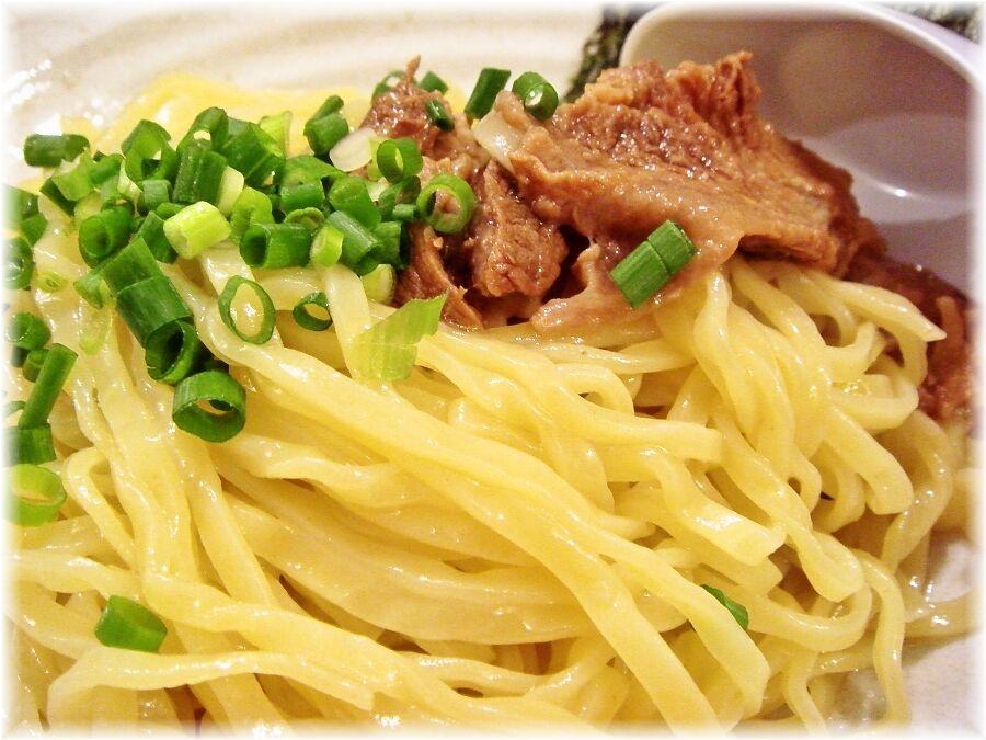 麺たぁじぃ〜 味玉つけめんの麺と具